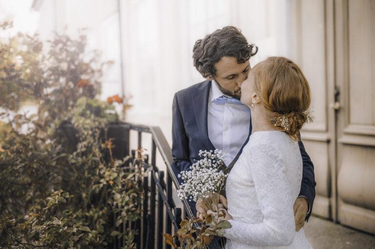 bröllopsfotografering kyss